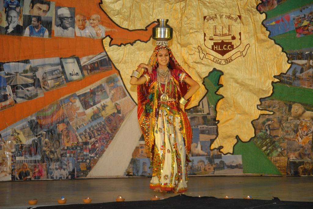 Performing Rajasthani Indian Folk Dance